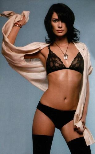 lena-headey-black-bra-panties.jpg