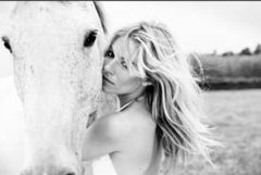 090728-sienna-miller-unseen.horse_edited.jpg